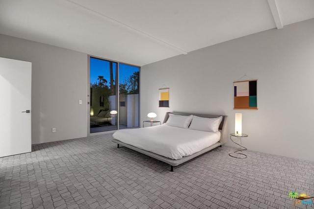 953 North Rose Avenue Palm Springs, CA 92262
