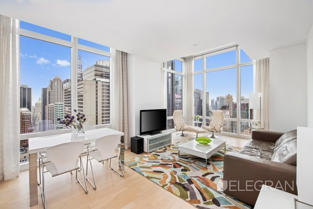 247 West 46th Street, Unit 4203 Manhattan, NY 10036