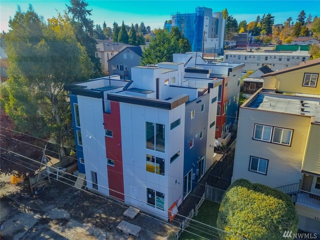 8841 Midvale Avenue North, Unit C Seattle, WA 98103